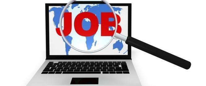 busca de empleo en las redes sociales