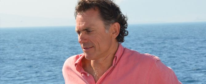 Jacobo Parages nadará 40 km para la fundación Uno Entre Cien Mil