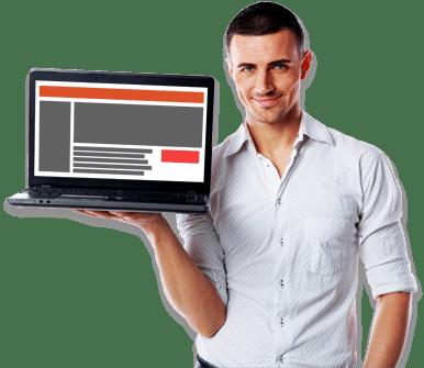 Hombre sujetando ordenador